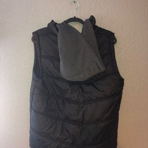 Black Hooded Patted Sweater vest